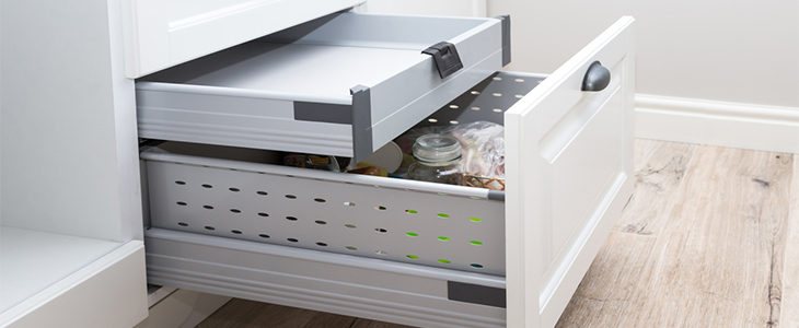 Choosing kitchen storage options