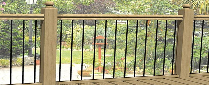 Why choose glass metal or rope for your decking balustrade for Garden decking glass panels