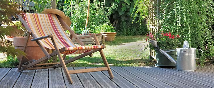 how to liven up your decking for summer feature image