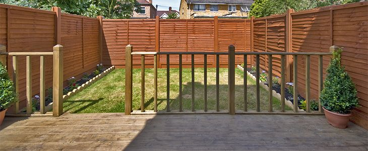 the benefits of ordering decking board samples feature image