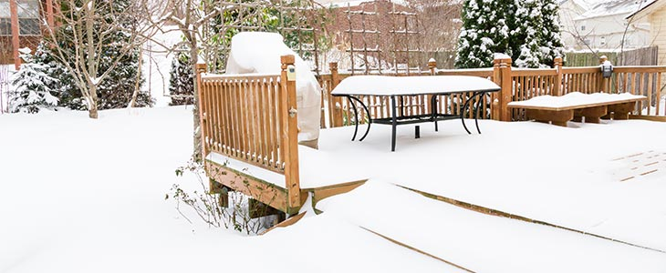 the easy way to protect your decking in winter feature image