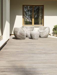 Curved-Decking-Savoy-Timber